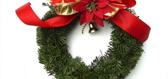How To Decorate Christmas Wreaths