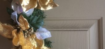 DIY Christmas Wreath ~ Recycled ~ EASY Dollar Tree Do It Yourself