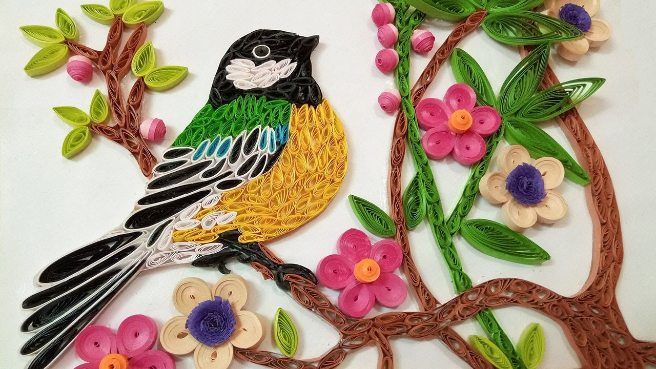 Quilling wall decorations a beautiful bird eating for Decoration quilling