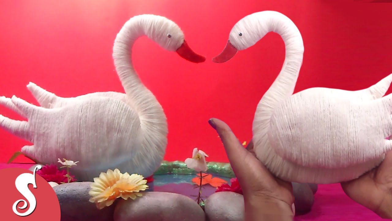 Diy woolen swan how to make swan showpiece for home for Decoration 4 christmas
