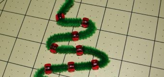 Pipe Cleaner Christmas Tree Ornaments (Super EASY–Kid Friendly)