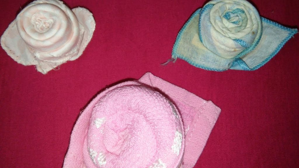 Diy Rose How To Make Rose From Handkerchief How To Fold Cloth Napkin Into Rose Diy Crafts Ideas Everything 4 Christmas